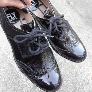de7e98674ca2 Fly London Shoes - Fly london EUC shiny black Oxfords palt damani
